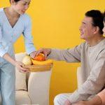 Dịch vụ giúp việc chăm sóc người già tại Hà Nội