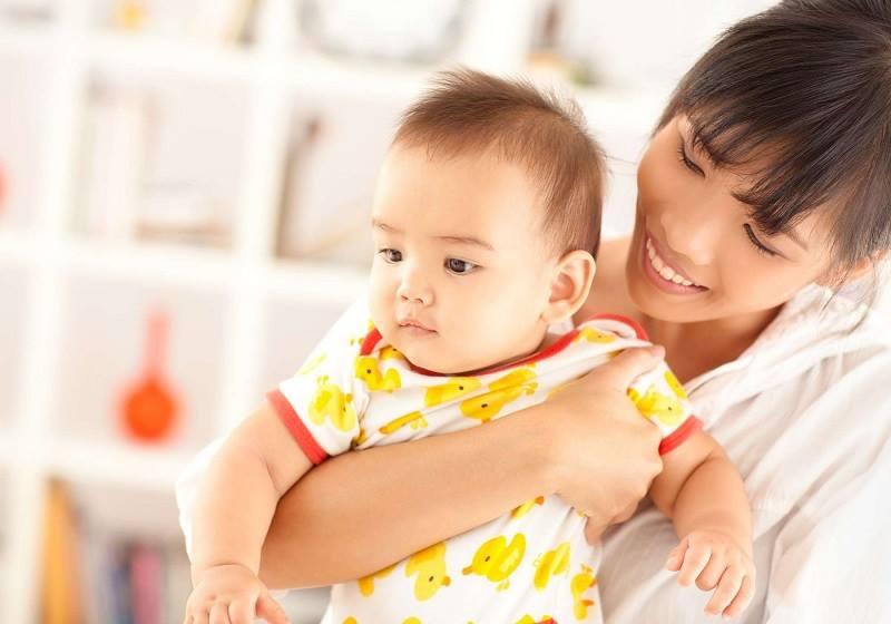 Người giúp việc trông trẻ vừa có thể làm việc nhà, vừa chăm sóc cho trẻ nhỏ chu đáo