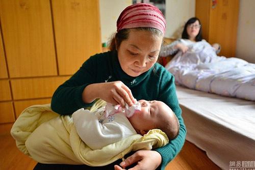 Dịch vụ giữ trẻ tại nhà tại Hà Nội đang trở thành lựa chọn của nhiều gia đình