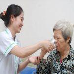 Dịch vụ chăm sóc người bệnh tại bệnh viện và tại các gia đình