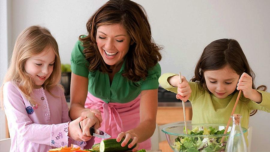 Thuê người giúp việc, bạn sẽ có nhiều thời gian bên cạnh các con hơn
