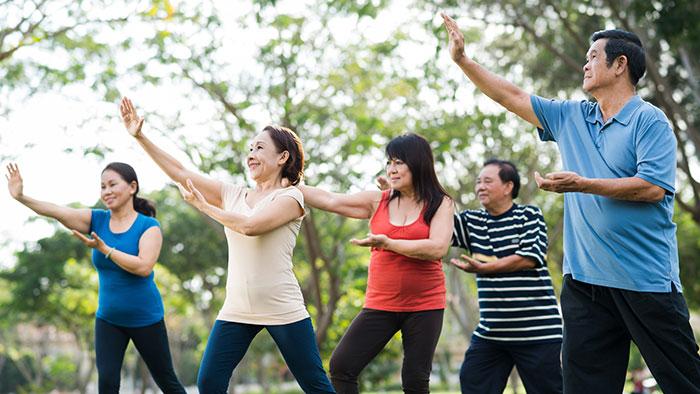 Người cao tuổi khi tập dưỡng sinh cần lưu ý về trang phục và cách thức tập luyện