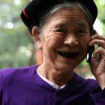 Người già nên dùng điện thoại như thế nào?