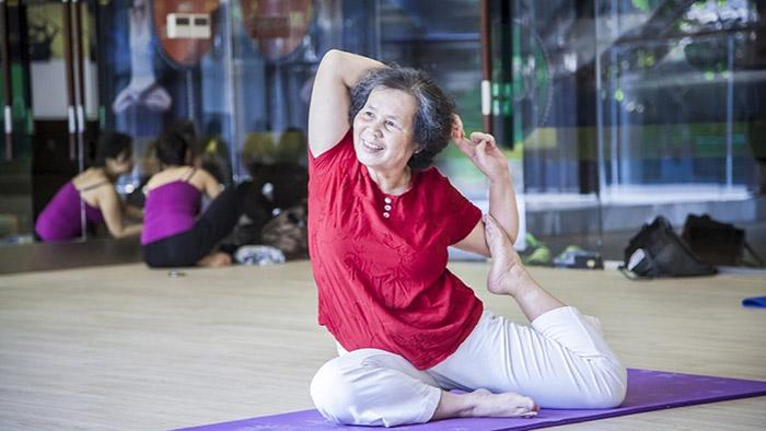 Những bài tập yoga cho người cao tuổi