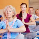 Yoga cho người cao tuổi – Giải pháp nâng cao sức khỏe