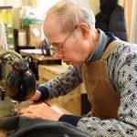 Tạo công việc làm tại nhà cho người già nên hay không nên?