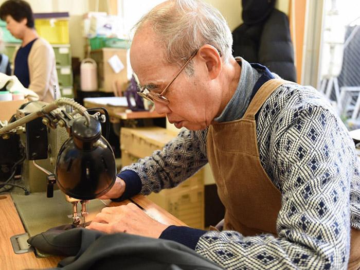 KHi người già tích cực làm việc, hoạt động sẽ giảm nguy cơ mắc bệnh giảm trí nhớ và tập phản ứng nhanh hơn