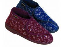 Cần chọn giày dép có chất liệu mềm mại cho người già