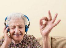 Nghe nhạc giúp người cao tuổi cảm thấy yêu đời hơn