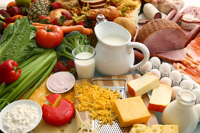Người già nên bổ sung các thực phẩm có nhiều vitanmin