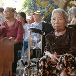 Người già neo đơn – Thấu hiểu hơn về những mảnh đời bất hạnh