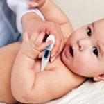 Nhiệt độ em bé bao nhiêu là bình thường? Giải đáp thắc mắc