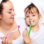 Cách Dạy Bé Đánh Răng đúng – bí kíp Vàng cho răng bé Trắng