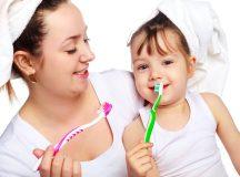 Cùng con đánh răng để tạo ra niềm vui thích.