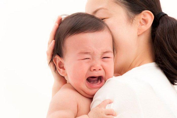 Tạo các chuyển động đều để em bé không khóc đêm