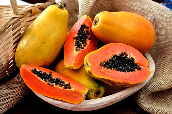 Đu đủ là loại quả dễ kiếm trong tự nhiên mang giàu dinh dưỡng